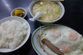 中華 久松(目玉焼き&豚汁)2