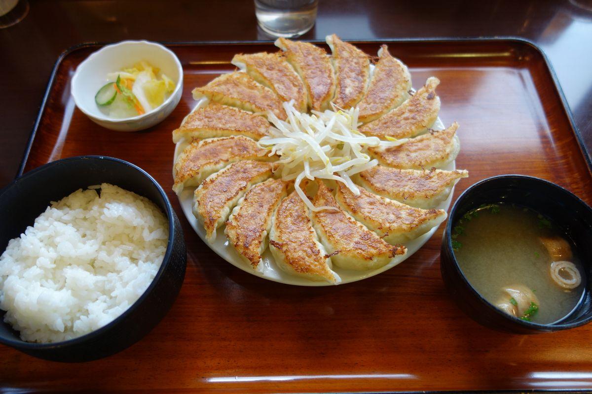 石松餃子11